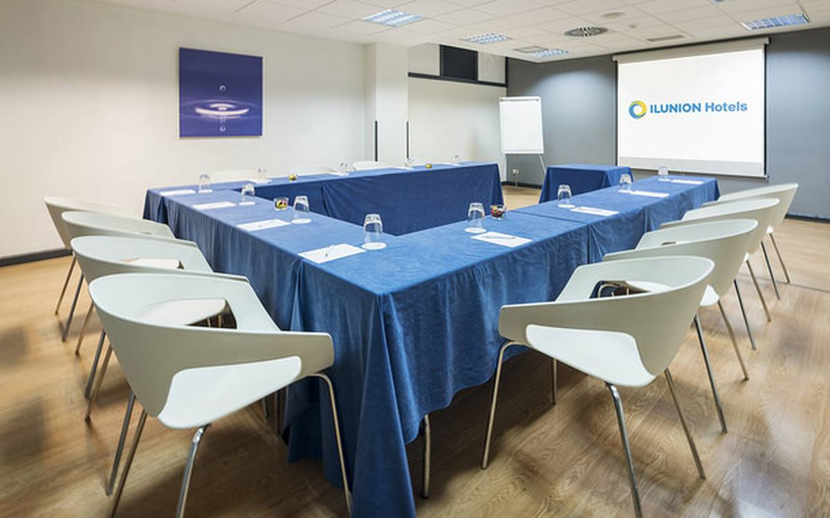 Meeting-rooms hotel ilunion romareda saragoça